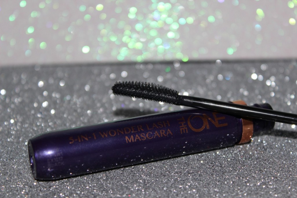 favoritele-lunii-martie-rimel-Oriflame-5-in-1-wonder-lash-mascara-the-one